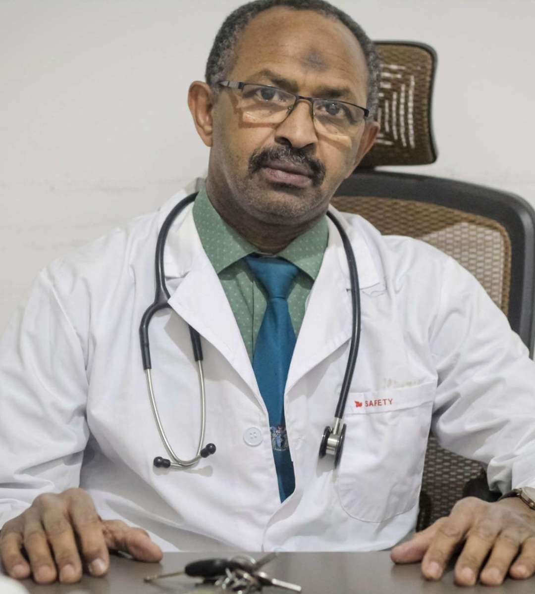 (4) Dr. Mamoun Mahgoub Ahmed